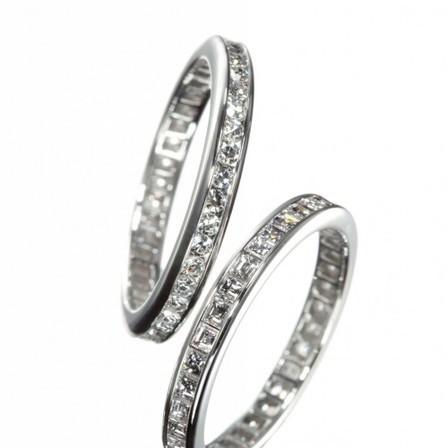 憧れのエタニティ☆婚約指輪にも結婚指輪にもOK!「THE ETERNITY」のサムネイル