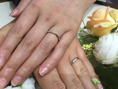 指がさらに素敵に見える細身の指輪