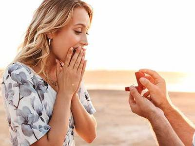 愛のこもったプロポーズで彼女に喜ばれる方法は?