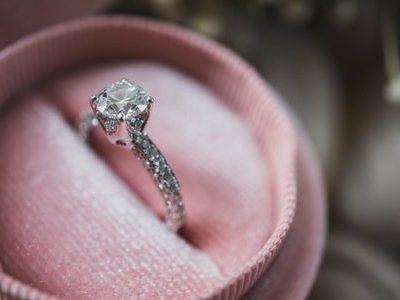 婚約指輪のリフォームで思い出をアップデート